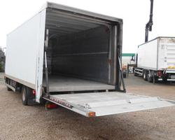 IVECO FOURGON HAYON 7.5 T - Ref 218